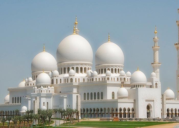 Abu Dhabi white Mosque